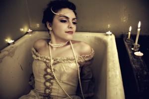 """""""Fallen angel""""; modelka: Emilia Klimczak; make-up i stylizacja: moje"""