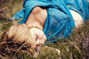 """""""Wrzosowisko"""" sesja ciążowa Magdy; make-up i stylizacja: moje; asystowała: Natalia Skrzynecka"""