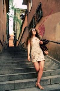 """""""Old Town""""; modelka: Emilia Klimczak; stylizacja: Ursula Ray"""